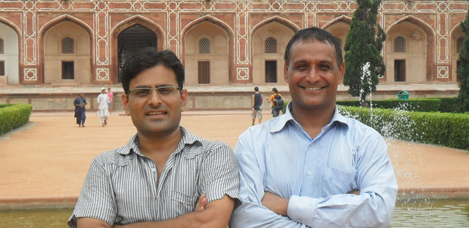 India Personal Tours - Tour Guide & Drivers Manu (left) and Syham (right)